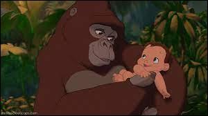 """Dans le film Disney """"Tarzan"""", comment s'appelle la femelle gorille qui élève Tarzan comme son propre fils ?"""