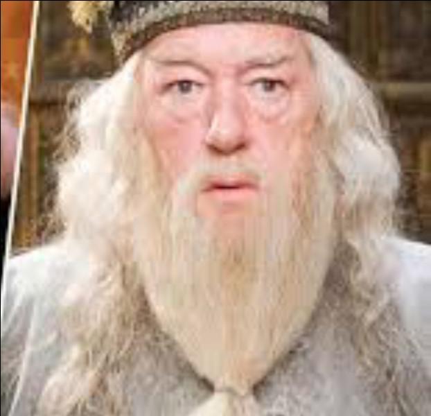 Dans le tome 6 : Dumbledore meurt. Qui le tue et avec quel sort ?