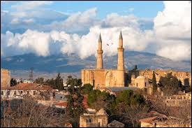 Quel est le nom de l'île dont la capitale est Nicosie ?