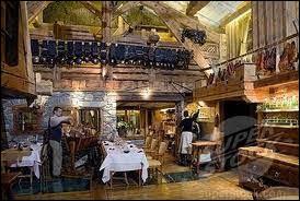 Comment se nomme le restaurant que tient le chef étoilé Marc Veyrat à Megève ?