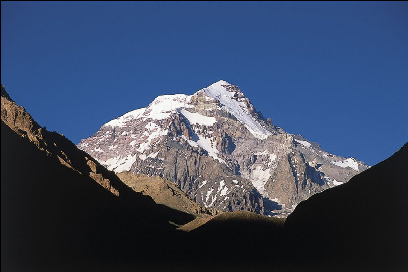 Cordillère : l'Aconcagua est le plus haut sommet de la Cordillère des Andes, à quel pays appartient-il ?