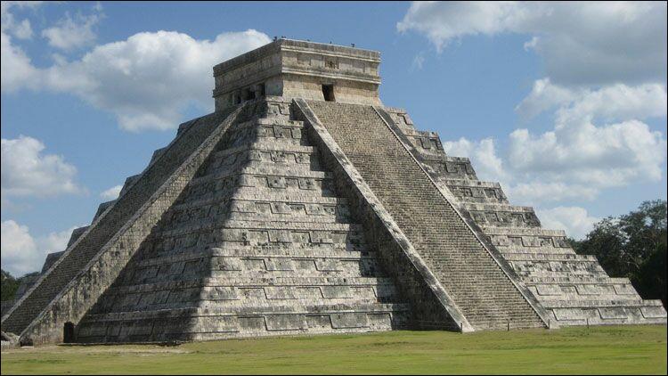 En quelle année a-t-on vu l'apparition de l'Empire maya ?