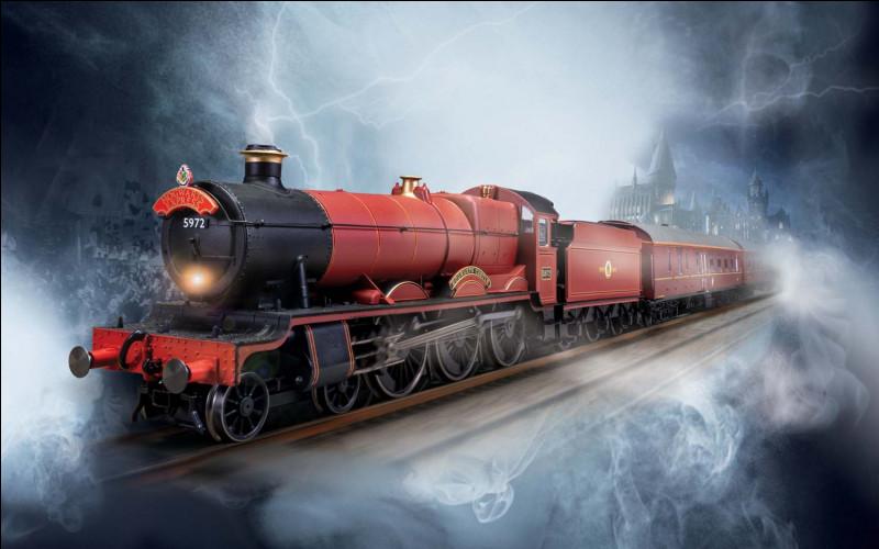 Comment s'appelle le train qui mène à Poudlard ?