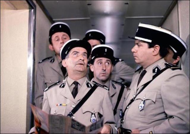 """Complétez le titre du film : """"Le Gendarme...""""."""