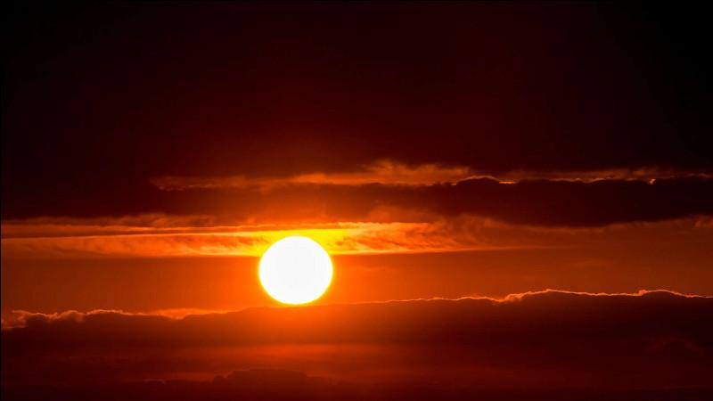 """Qui chante """"Il est mort le soleil"""" ?"""