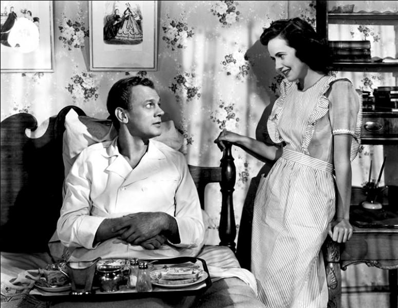 Ce quiz s'intéressera principalement à sa période américaine. On débute avec ce film noir réalisé en 1943, avec Teresa Wright et Joseph Cotten. Il s'agit, selon les aveux du réalisateur lui-même, de son film favori. Quel est son titre ?