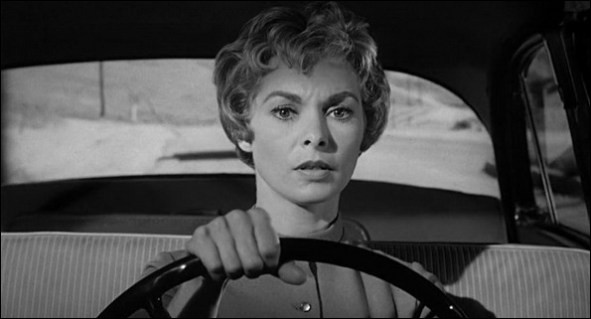 """En 1960 sort """"Psychose"""" qui traumatisera bon nombre de personnes. Dans quel endroit l'actrice Janet Leigh se fait-elle assassinée lors d'une scène devenue culte ?"""