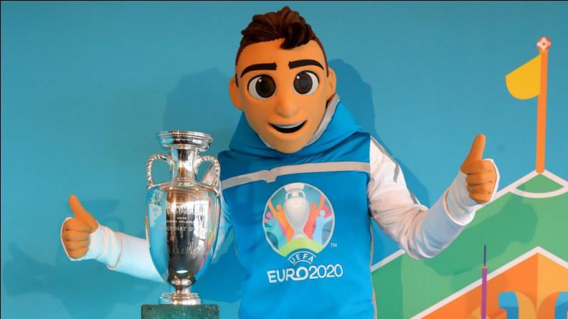 Comment se nomme la mascotte de cette compétition ?
