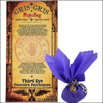 Amulettes vaudoues en forme de sacs contenant divers objets magiques.
