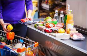 À la caisse du supermarché, tu te rends compte que la caissière s'est trompée et qu'il y a 50 centimes de trop sur la facture. Comment réagis-tu ?