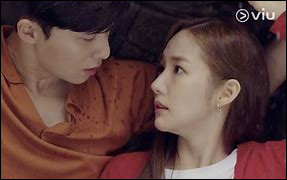 Attention, bien lire la question !Quelle était la réponse donnée par Lee Yeon Joon à la Secrétaire Kim lorsqu'elle lui demande pourquoi il l'a engagée ?