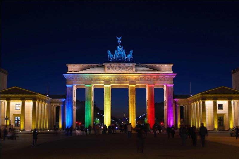Dans quelle ville allemande peut-on voir la Porte de Brandebourg ?