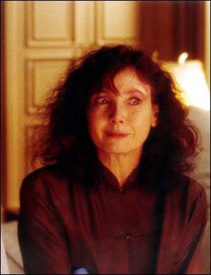 Sabine Azéma a joué une mère prête à tout pour que son fils prenne son indépendance. Quel est ce film ?