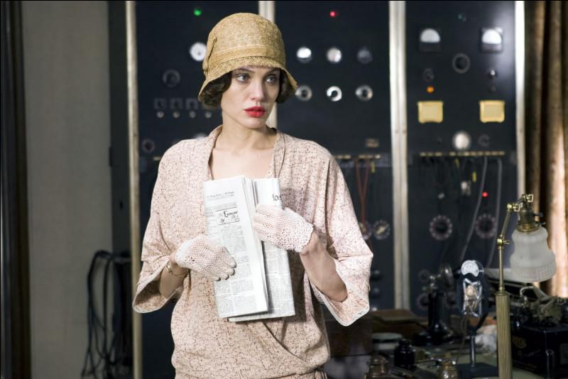 Angelina Jolie a joué une mère devant faire face à la disparition de son fils et à l'incompétence des inspecteurs. Quel est ce film ?