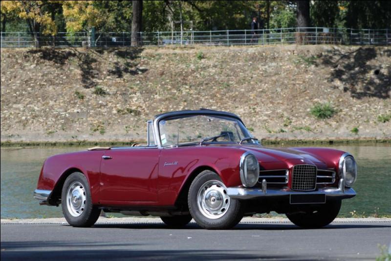 1960-1970 est, pour moi, la décennie où le style italien a le plus marqué le design automobile français. Ce cabriolet me fait penser à des Lancia ou Alfa Romeo mais son constructeur vient d'Eure-et-Loir. Quel est ce modèle ?