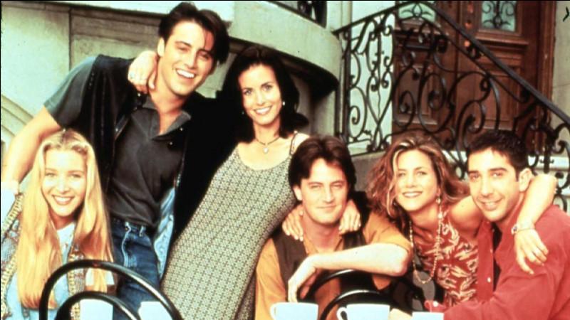Qui est enceinte lors du mariage de Monica ?