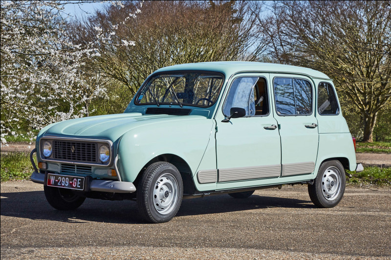 Est-ce une Renault 4 GTL de 1108 cm3 sortie en 1978 ?