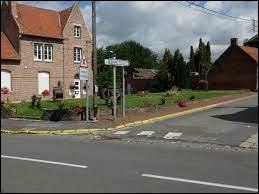 Nous commençons notre balade dans les Hauts-de-France, à Abancourt. Village de l'arrondissement de Cambrai, il se situe dans le département ...