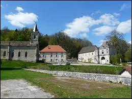 Petit village du Grand-Est de 38 habitants, dans l'arrondissement de Chaumont, Écot-la-Combe se situe dans le département ...