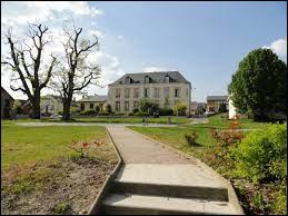 Gomont est un village Ardennais situé en région ...