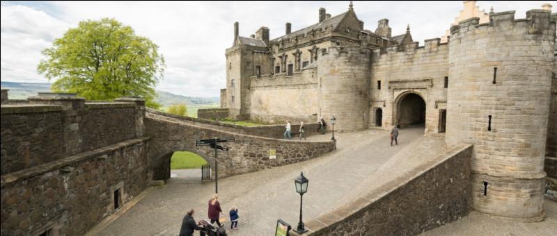 C'est toujours en Grande-Bretagne que vous devrez aller pour voir ce château fort, précisément à Stirling, en Ecosse :