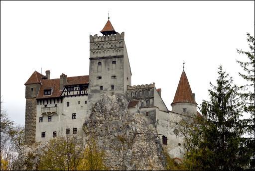 C'est en Roumanie que vous devrez aller, plus précisément à Bran, en Transylvanie, pour voir ce château :