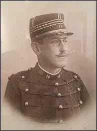 Dreyfus a été victime, en 1894, d'une machination judiciaire qui fut à l'origine d'une crise politique majeure des débuts de la IIIe République. Quel était son prénom ?