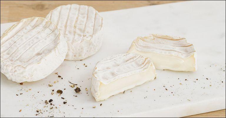 Le très petit fromage rond et plat élaboré dans les Cévennes avec du lait de chèvre porte le nom de...
