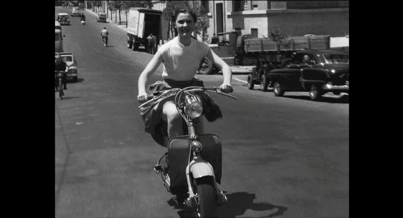 """Quel réalisateur participe au film à sketches """"L'Amour à la ville"""" ?"""