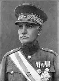 Qui est cet homme, fondateur de la dynastie Pahlavi ?
