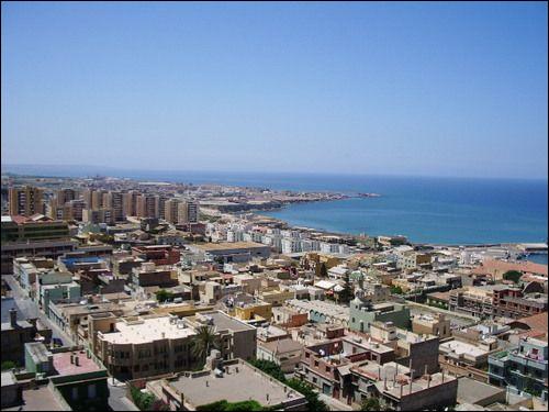 Mostaganem, 150 000 habitants, est une ville d'...