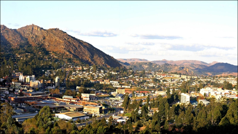 Mbabane, petite capitale de 60 000 habitants, est une ville d'...