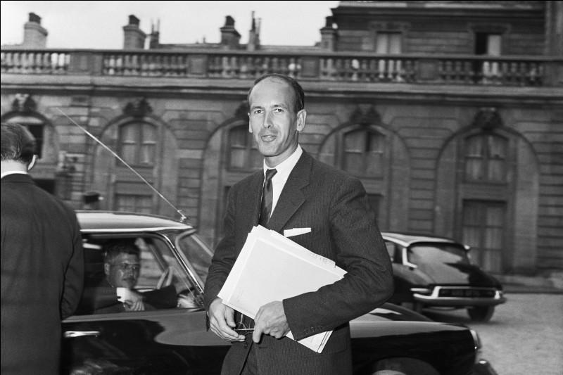 De quel département est-il élu député en 1956 ?