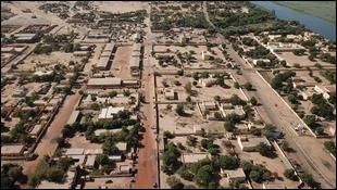 Gao, 100 000 habitants, est une ville d'...