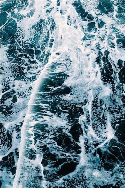Qui est le dieu de la mer ?