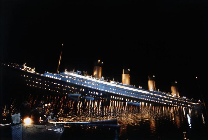 """À quel compositeur doit-on la musique du film """"Titanic"""" ?"""