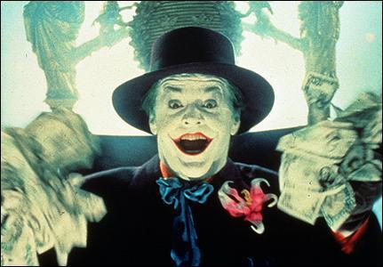 Quelle est la somme en espèce que le Joker lance dans la foule ?