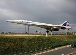 Quel célèbre avion s'est crashé le 25 juillet 2000 ?