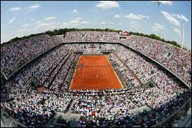 Qui a remporté le tournoi de Roland-Garros en 2000 ?