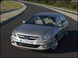 Lancé en l'an 2000, quel est le nom de cette Peugeot haut de gamme ?