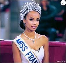 Comment s'appelle la Miss France de l'année 2000 ?