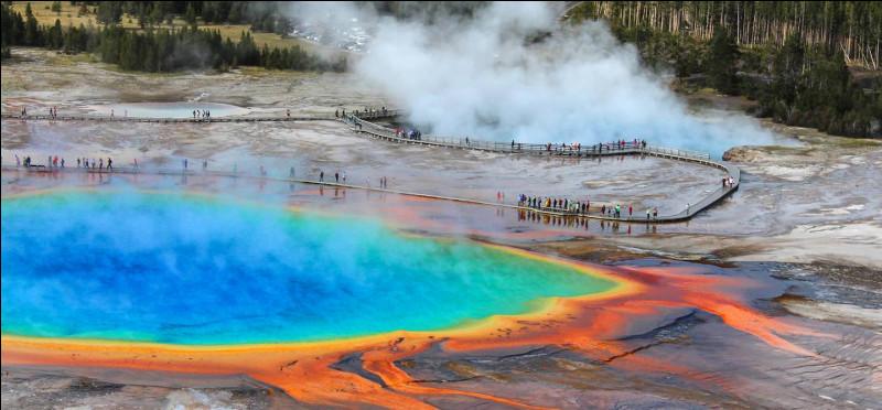 Dans quel État américain le parc national de Yellowstone est-il situé pour sa plus grande partie ?