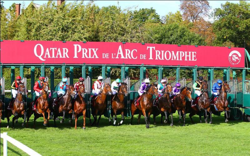 Quel mois de l'année a lieu la course de chevaux du prix de l'Arc-de-Triomphe ?