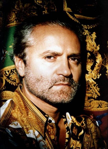 Quel grand couturier italien a été assassiné à Miami, le 15 juillet 1997 ?