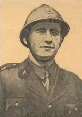 """1944 > Pierre Georges, 25 ans, résistant français > Plus connu sous le nom du """"Colonel Fabien"""", il meurt* dans son bureau, suite à de l'explosion... (Complétez !)"""