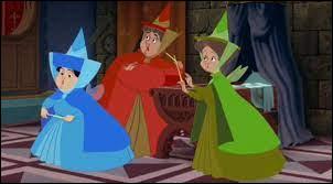 """Dans le film Disney """"La Belle au bois dormant"""", quel est le nom de la fée vêtue d'une robe bleue ?"""