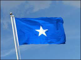 À quel pays d'Afrique correspond ce drapeau bleu avec une étoile blanche ?