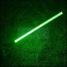 """Dans la saga cinématographique """"Star Wars"""", par qui est utilisé le sabre laser vert ?"""