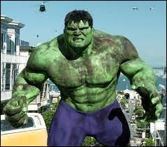 Comment s'appelle l'humain qui se transforme en Hulk ?