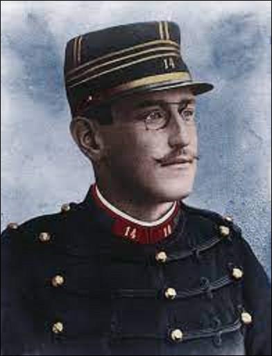12 juillet : En quelle année le capitaine Alfred Dreyfus est-il réhabilité, après des années de polémiques qui ont divisé la France ?